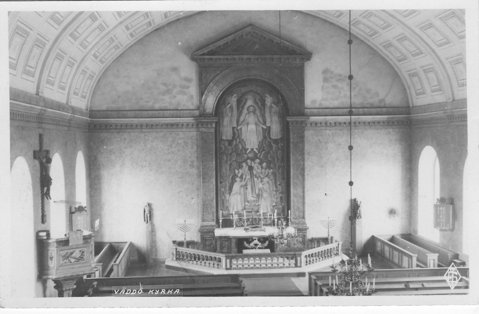 Efter 1926.Fönstren runt altartavlan sattes igen 1926 men togs fram 1969/70